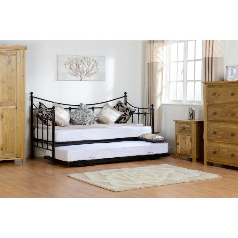 Torino black day bed