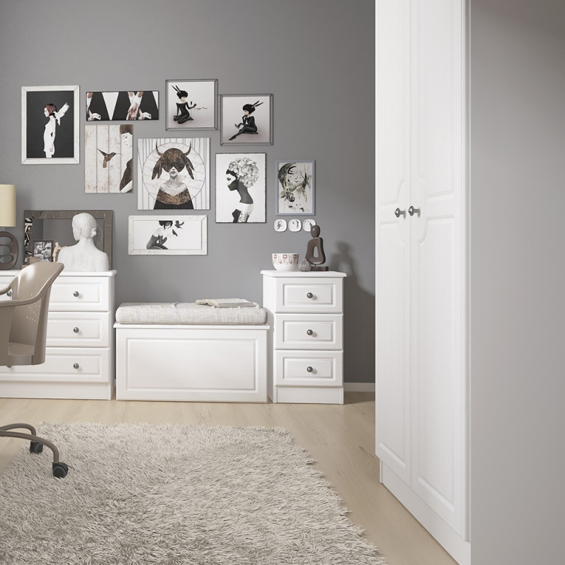 Hampshire 3 drawer bedside in white